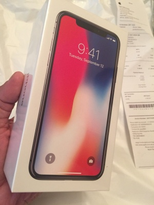 New Apple iPhone X 64GB is 470 Euro