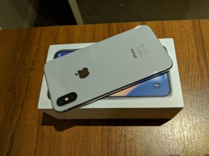 Apple iPhone X 64gb €430 iPhone X 256gb €500